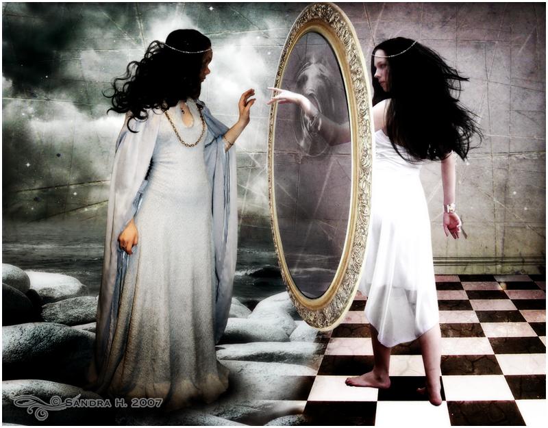 Если поместить перед зеркалом свою руку будет ли ее изображение